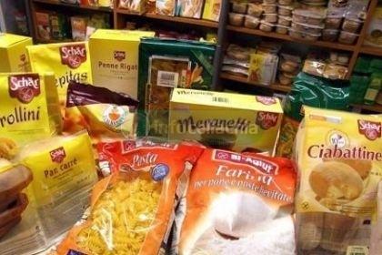 Gli alimenti senza glutine costano meno al supermercato